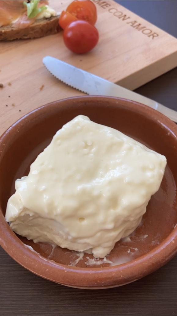 queso stracchino italiano   la Clandestina